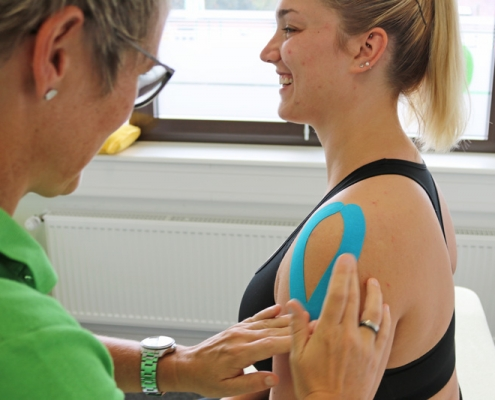 Bild Kinesio Taping Tape CeOS Physiotherapie Achern