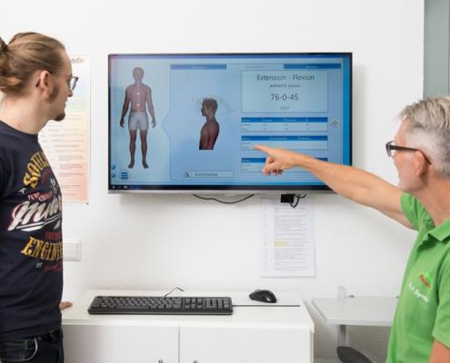 MobeeMed Beweglichkeitsmessung Gespräch Dr. Spieker Orthopaede Achern